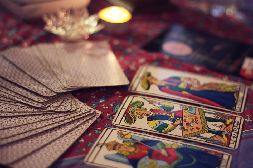 """Estudo do livro """"Iniciação ao Hermetismo"""" – Introdução"""